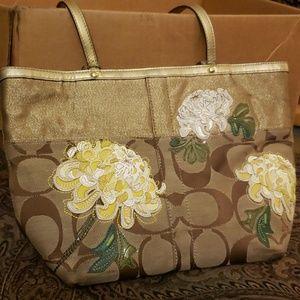 Coach spring applique flower tote bag